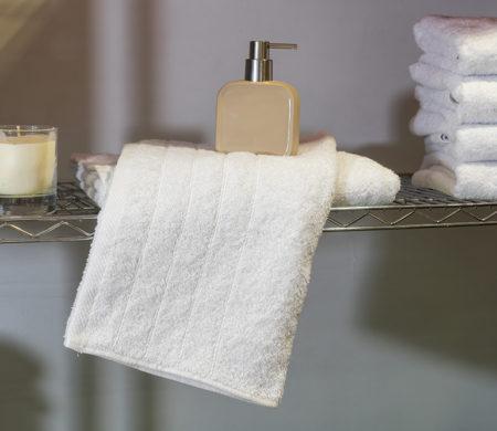 Πετσέτα Λουτρού 70x140 εκ Ξενοδοχειακή 450 γρ/τμ Πεννιέ Ρίγα - Unicorn