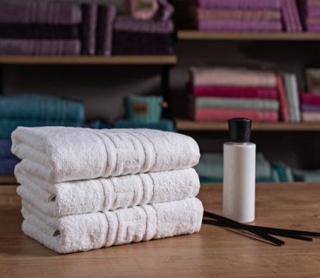 Πετσέτα μπάνιου ξενοδοχείου (70x140) 500 γρ/μ² Μαίανδρος Πεννιέ