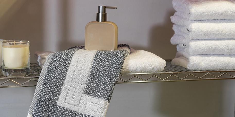 Ξενοδοχειακό Ταπέτο 650 γρ/τμ Γκρί-Λευκό Μαίανδρος 50×75 εκ – Unicorn