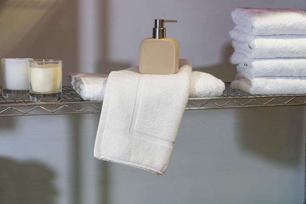 Ξενοδοχειακό Ταπέτο Λευκό 700 γρ/τμ 100% Βαμβακερό – Unicorn