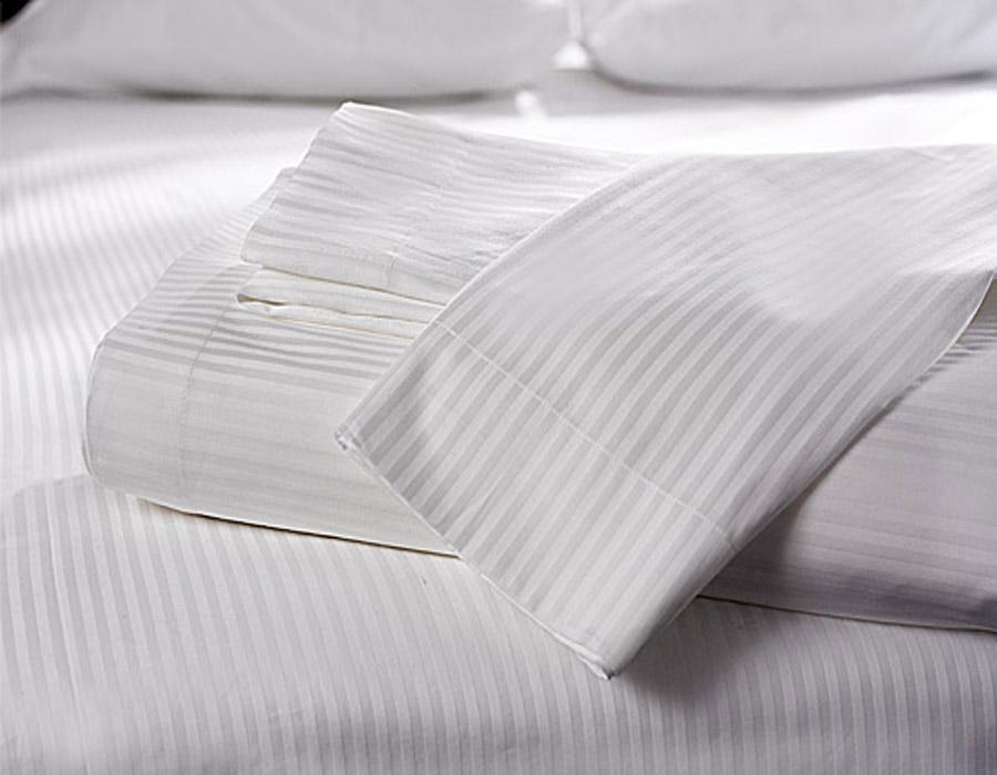 Μαξιλαροθήκη Ξενοδ/ακή με σατέν ριγα πεννιέ 230TC 100% Βαμβάκι – Unicorn